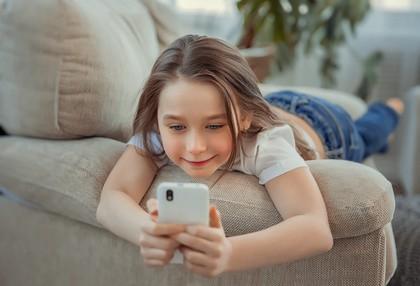 Thai Kindersprachkurs auf Smartphone